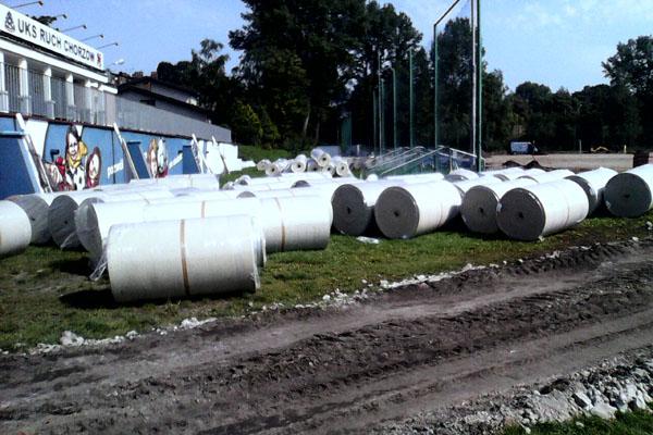 sztuczna trawa w rolkach