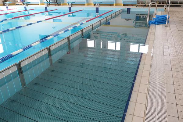 tor wypłycony na basenie