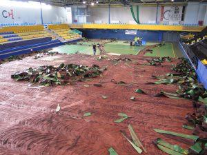 demontaż starej nawierzchni na hali