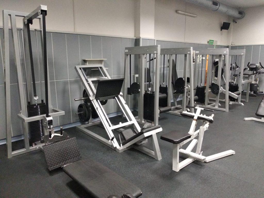 maszyny na siłowni druga część